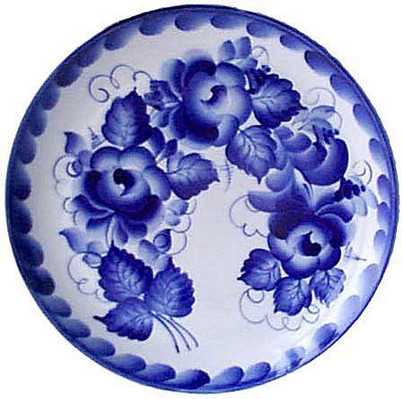 Самый известный крупный народный художественный керамический промысел - подмосковная гжель.  Этот район из 30 сел и...